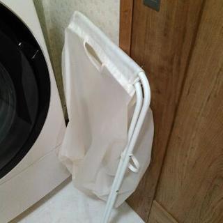 洗濯物いれ