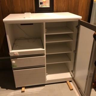 ニト〇の食器棚キレイです(受け渡し予定者決まりました。)
