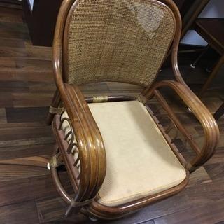 籐 回転座椅子