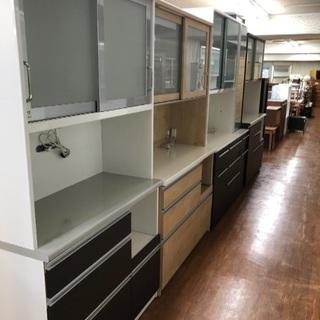 大型食器棚揃えました!人気のホワイトが今なら選べます!トレジャー...