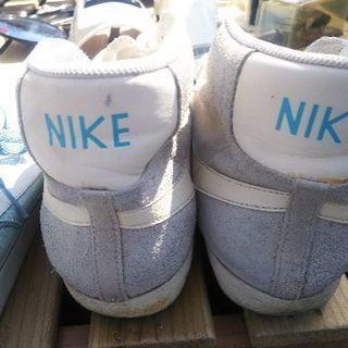 ナイキの靴、息子が使用していたものです。