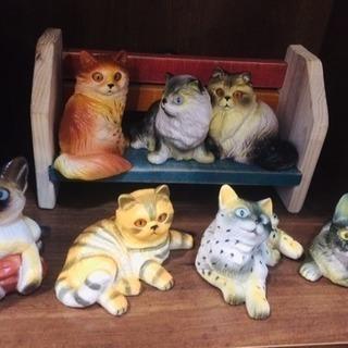 猫ちゃんの置物セット台付