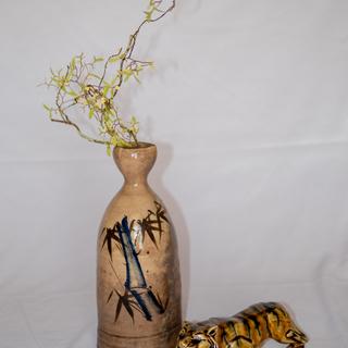 【希少】花瓶にもなる大きな徳利 虎の置物付き
