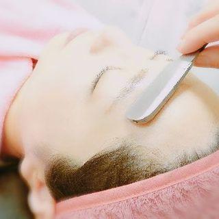 お顔剃り専門店でツルツルたまご肌へ! ご新規様1000円OFF