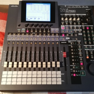 Rolandのミキサー(VM-C7100 & VM-720…