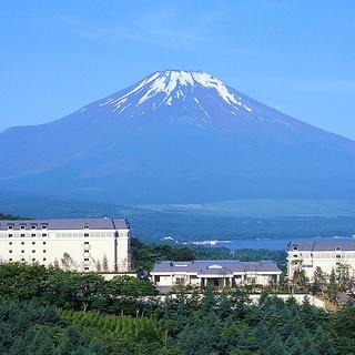 雄大な富士を望む高原リゾートで働きませんか?