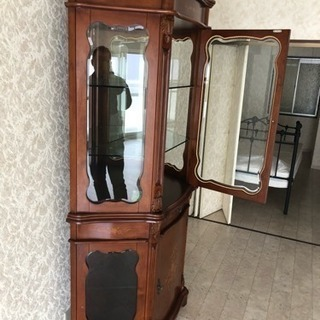 イタリア家具 ガラスショーケース − 大阪府