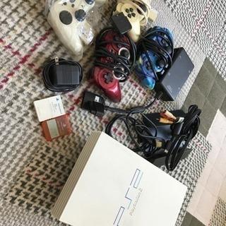 PS2とコントローラー4個(4人で対戦出来ます!)