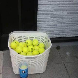中古の硬式テニスボール30個ぐらい