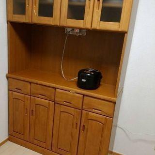 食器棚  新品同様 (一応新古品) 電子レンジ、炊飯器置けます!