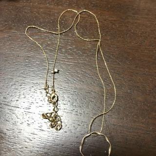 細いシンプルなネックレス