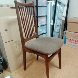 座面高めの椅子