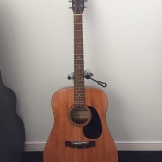 古いアコースティックギター 木曽鈴木バイオリン社製