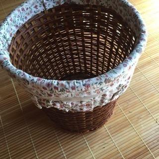 観葉植物 鉢カバー 布飾り付き カゴ