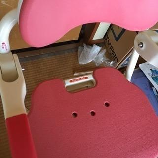 介護用 お風呂 チェアーと、身体を支える取り付け台 − 愛知県