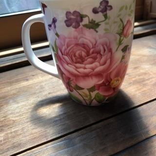 コーヒーカップ バラの柄