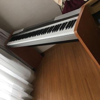 電子ピアノ(引き取り限定)