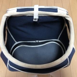 5Kgまで対応小型犬用ドッグキャリーリュック − 大阪府