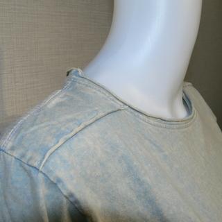 カットオフ  貼り合わせ縫製 ストーンウォッシュ加工 UネックTシャツ - 服/ファッション
