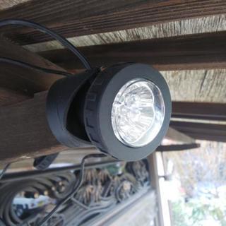 【夜間の安心・安全】電気代0円 人感センサー付きLEDソーラーライト