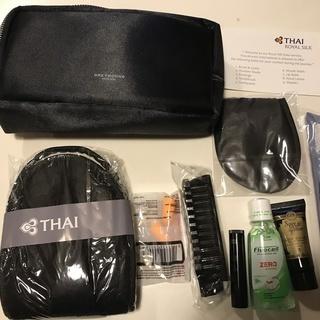 THAI AIRWAYS タイシルクポーチ(黒) 9点セット