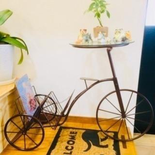 早い者勝ち!ビンテージ自転車の置物ガラステーブル付き