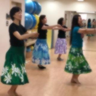 5月16日13:00からの「やさしいフラダンス」は、無料体験!
