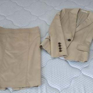 ピンキー&ダイアン ベージュスーツ サイズ36 美品