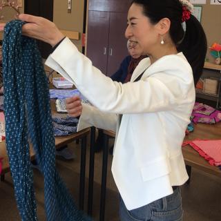 スカーフ一つで楽しめるスカーフ教室