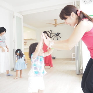 英語で体操教室!&JOY英語リズム体操|武蔵小金井南口より…