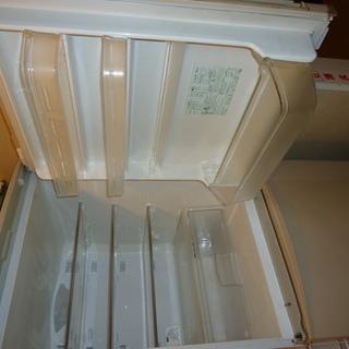 ノンフロン冷蔵庫3ドア SHARP SJ-WA35J