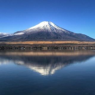 世界遺産 逆さ富士 写真 A4又は2L版 額付き