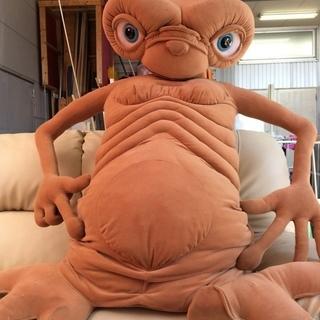 トイザらス限定 E.T.等身大ぬいぐるみ