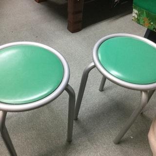 KOKUYO  コクヨ丸椅子  32、4㎝  高さ44㎝くらい  ...