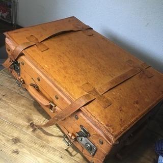 什器、インテリア用 に。スーツケース  豚革?