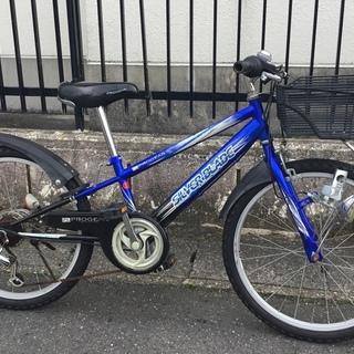 ■22インチ・ジュニア自転車  外装6段変速  色・ブルー 鍵付