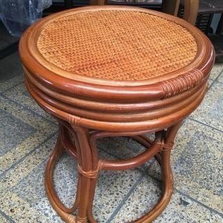 籐家具 椅子 ラタン 丸イス チェア  高さ約40㎝✖️直径約35㎝