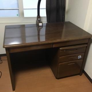 木製の学習机(テーブル)