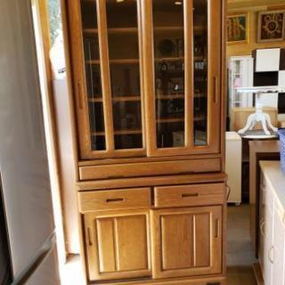 コンセント・台付き食器棚