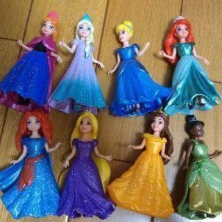 ディズニープリンセスの人形8点セット