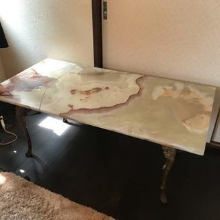 大理石?のテーブル