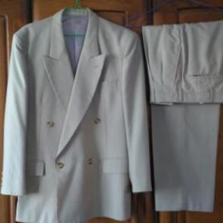 (美品)ダブルのスーツ