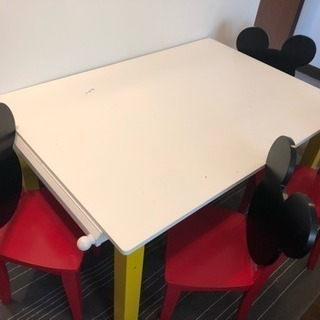 ミッキー子供用テーブルと椅子セット
