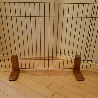 ペット飛び出し防止柵(幅87センチ 高さ60センチ)