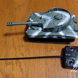 【値下げ】戦車 ラジコン 発光&走行音(サウンド切り替えスイッチつき)