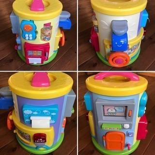 【知育玩具】Combi わくわくいたずらタワー 11種類のいたずら...