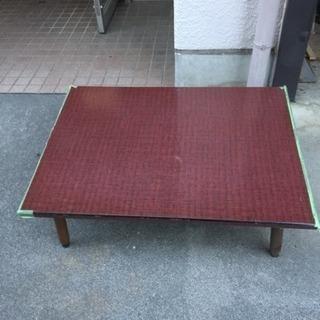 大きめのローテーブルです。