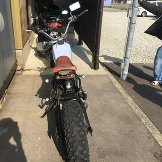 TW  バイク 200