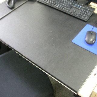デスク敷きです♪シブ~い ブラックです! IKEA製です!