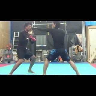 大和高田市 初心者向け ダイエットキックボクシング 総合格闘技 - スポーツ